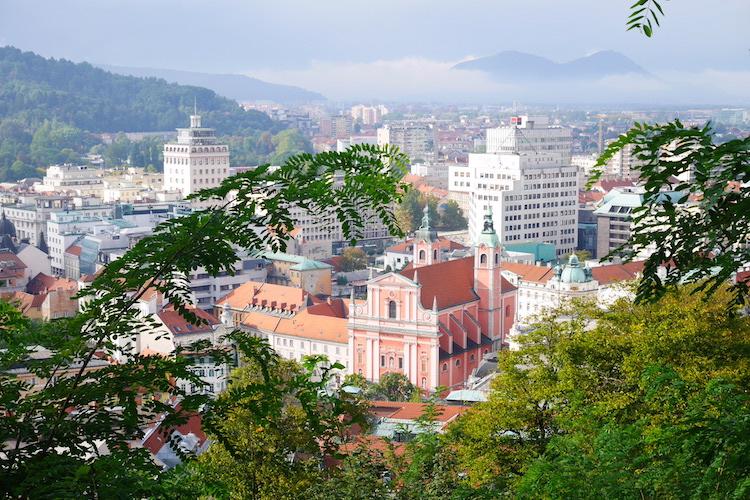 Uitzicht citytrip Ljubljana stedentrip kasteel