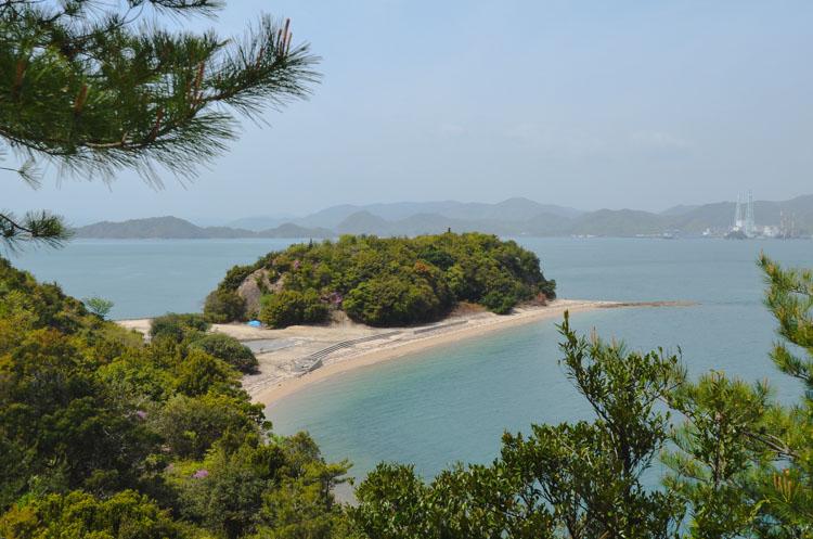 Uitzicht fietspad op het Konijneneiland Okunoshima