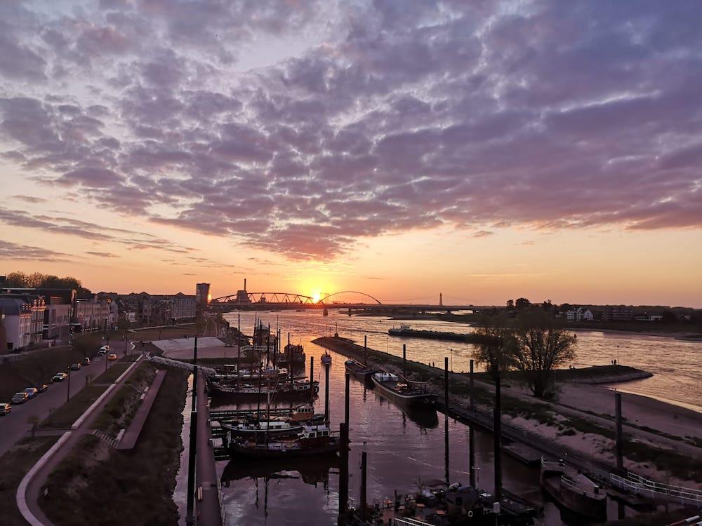 Uitzicht over de Waal Nijmegen mooie plekken nederland