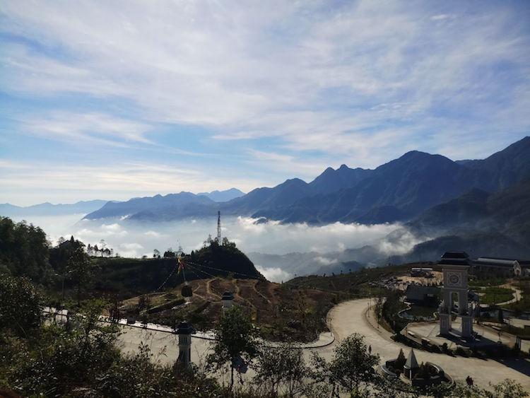 Uitzicht vanaf de top Fansipan Sa Pa