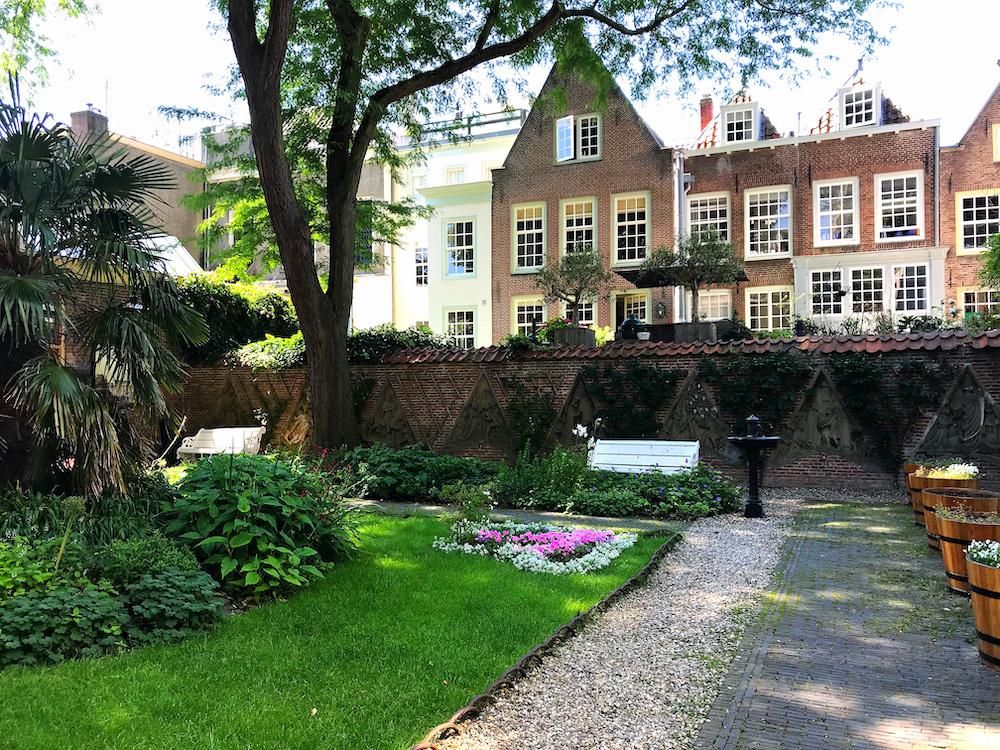 Utrecht centrum Flora dom tuin