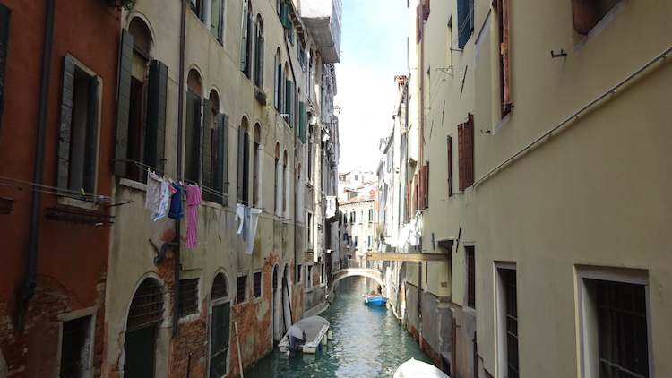 Venetie januari romantisch lege kanalen grachten