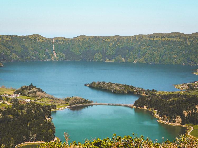 Verlaten hotel de azoren sao miguel sete cidades uitzicht