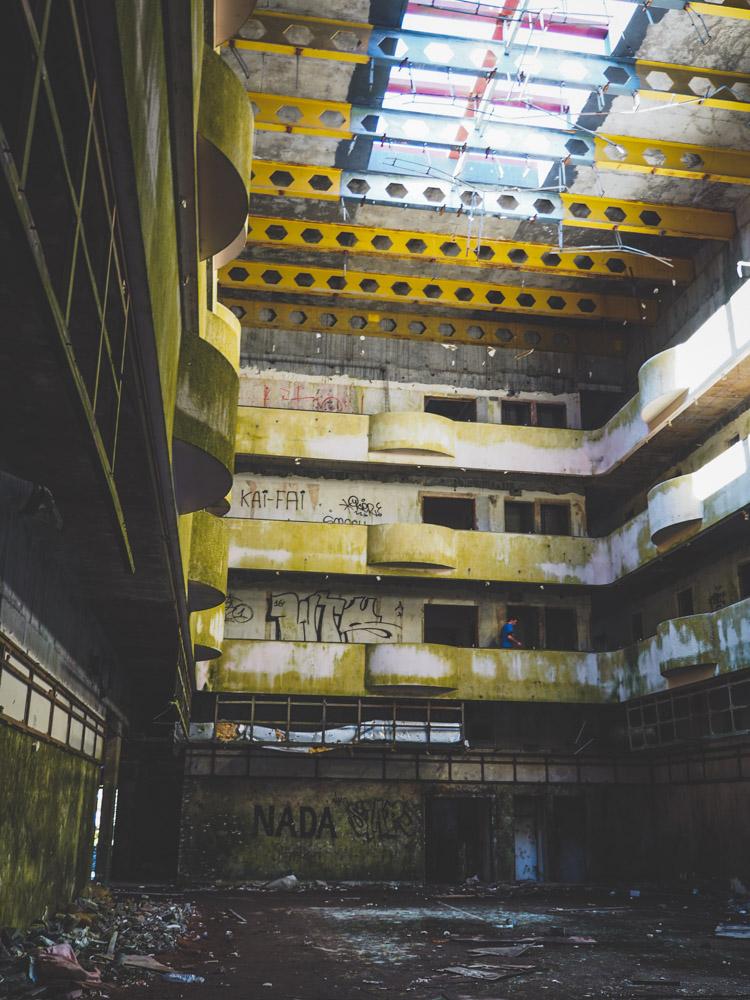 Verlaten hotel azoren