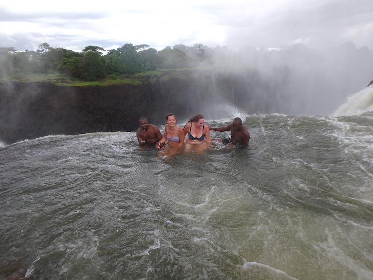 Voor op je bucketlist: Victoria Falls in Zimbabwe! | We ...