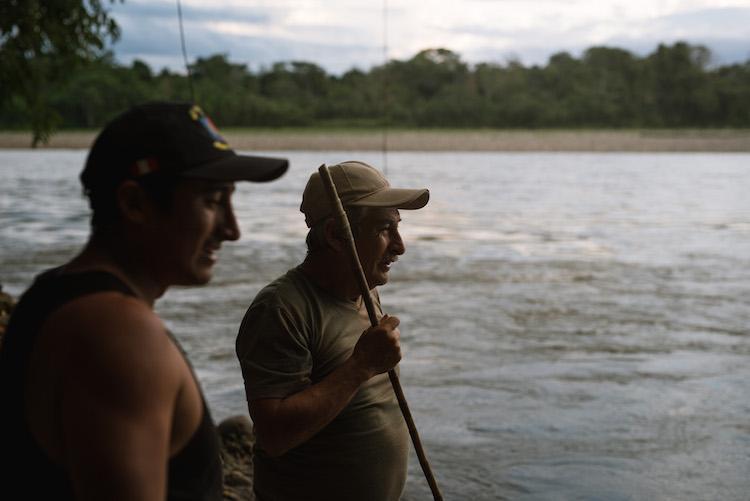 Vissen met Arturo familie jungle peru