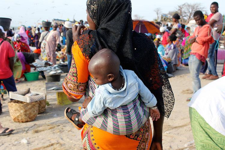 Wat te doen in Gambia Tanji-Fishing-Village-2