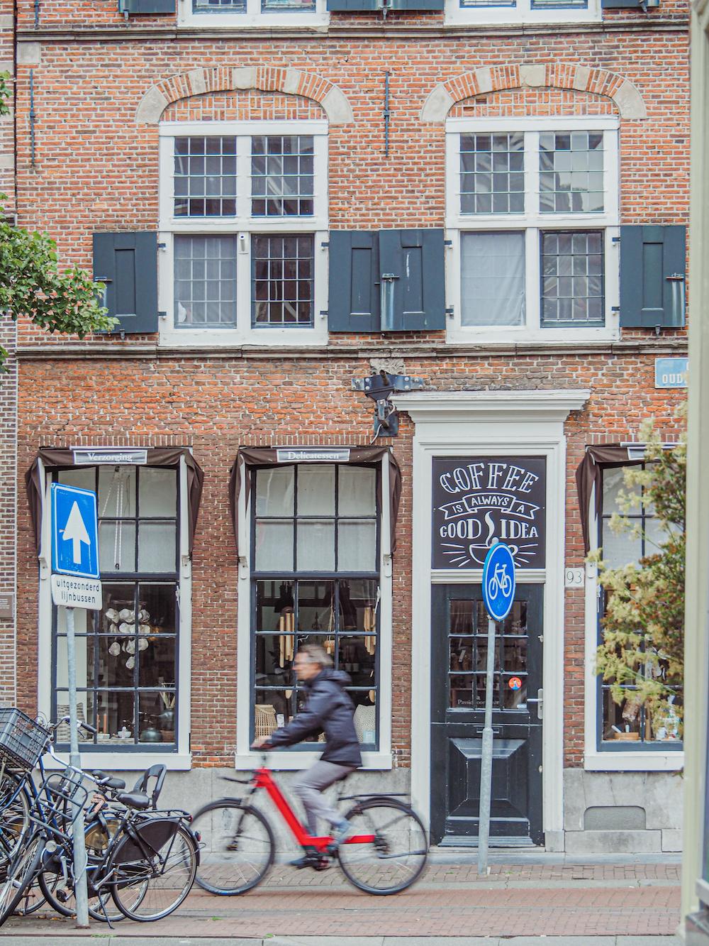 Wat te doen in Haarlem, koffie drinken