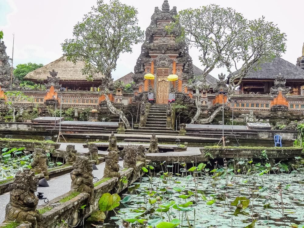 Wat te doen in Ubud Pura Taman Saraswati