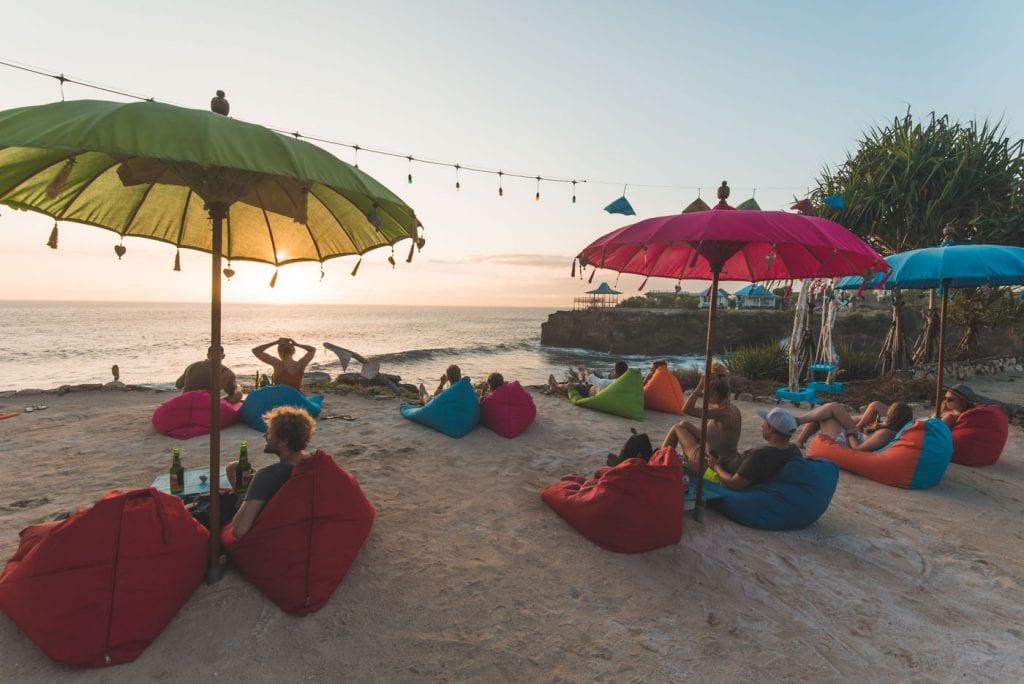 Wat te doen op Nusa Lembongan tips Cloudland Bar