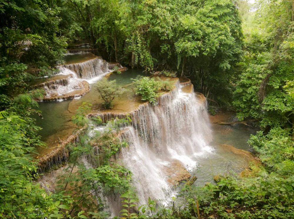 Waterval bij Kanchanaburi in Thailand