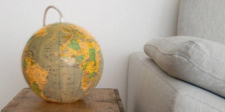 Wereldbol lamp in je woonkamer