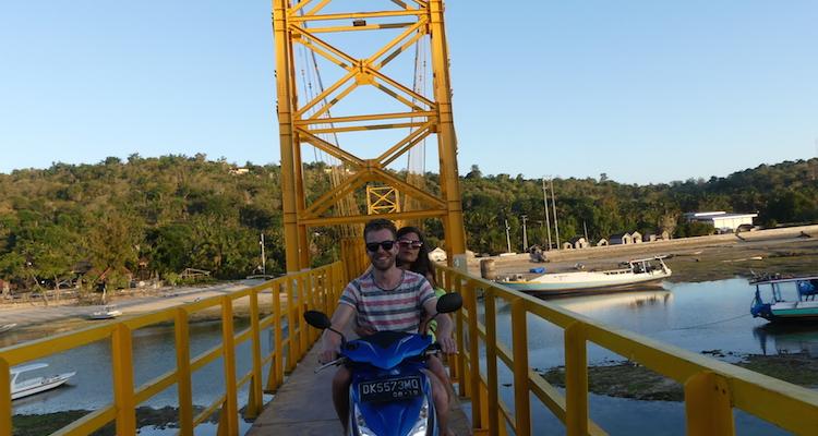 Yellow Bridge tips brug tussen Nusa Lembongan en Nusa Ceningan