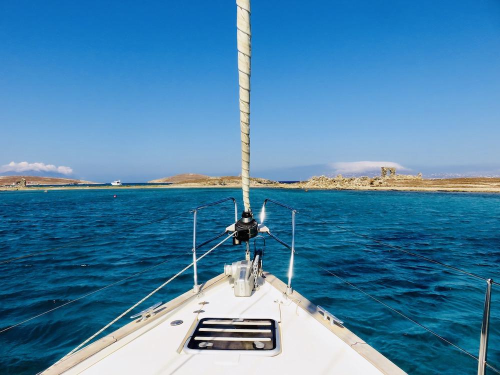 Zeilen naar Delos, Cycladen