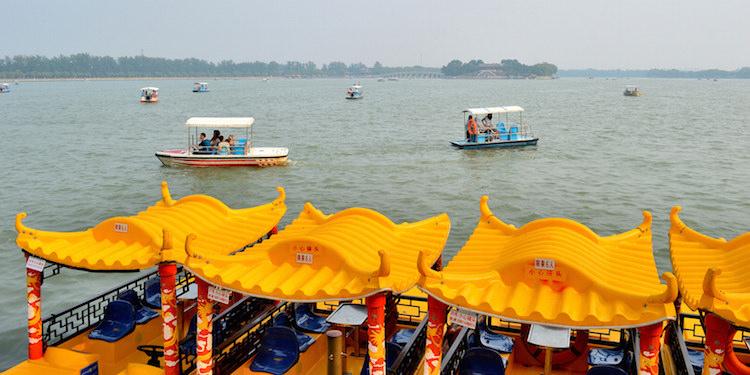 tempel op de meer van suzhou