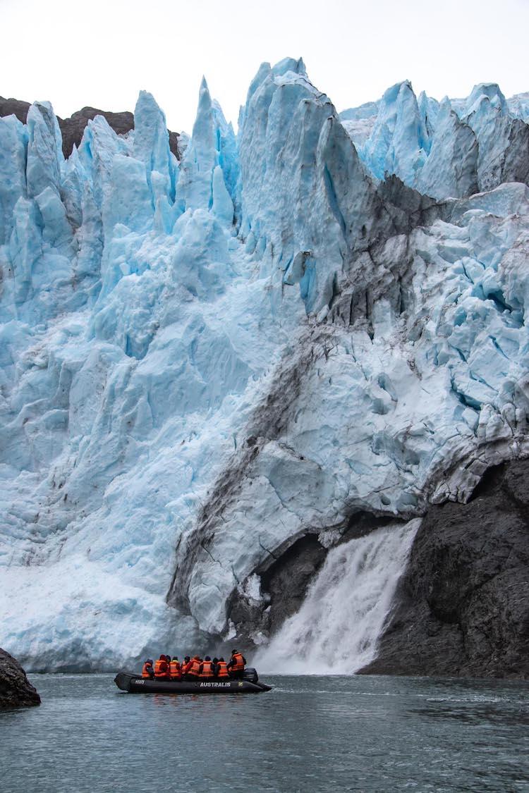 Zuid Patagonie cruise dichtbij gletsjer