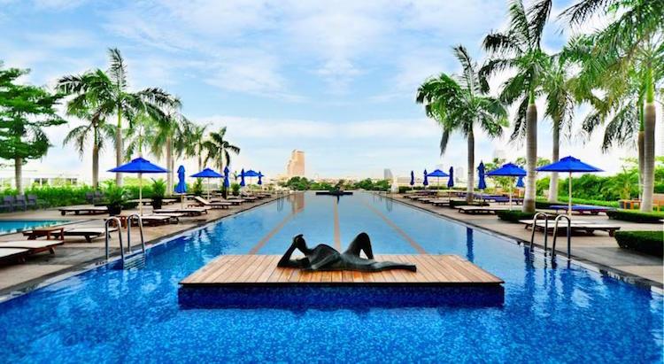 Zwembad vijf sterren hotel Thailand