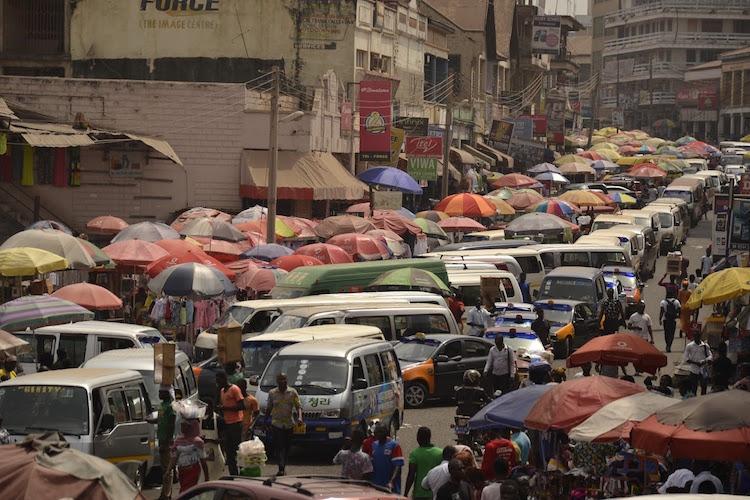 accra Ghana rondreis drukte
