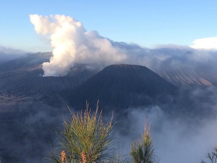 alleen backpacken indonesie Vulkaan