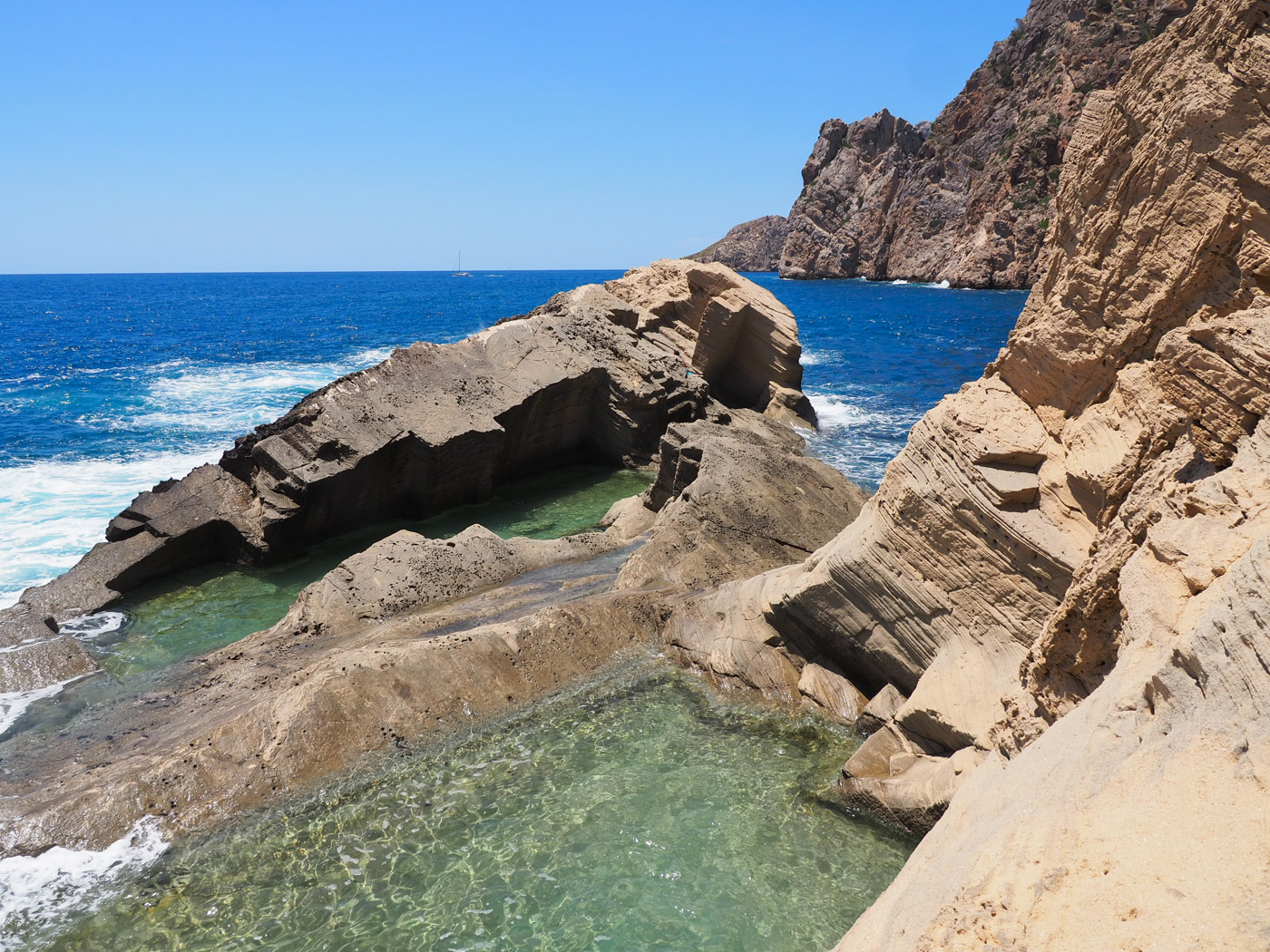 atlantis Ibiza geheim strand es vedra