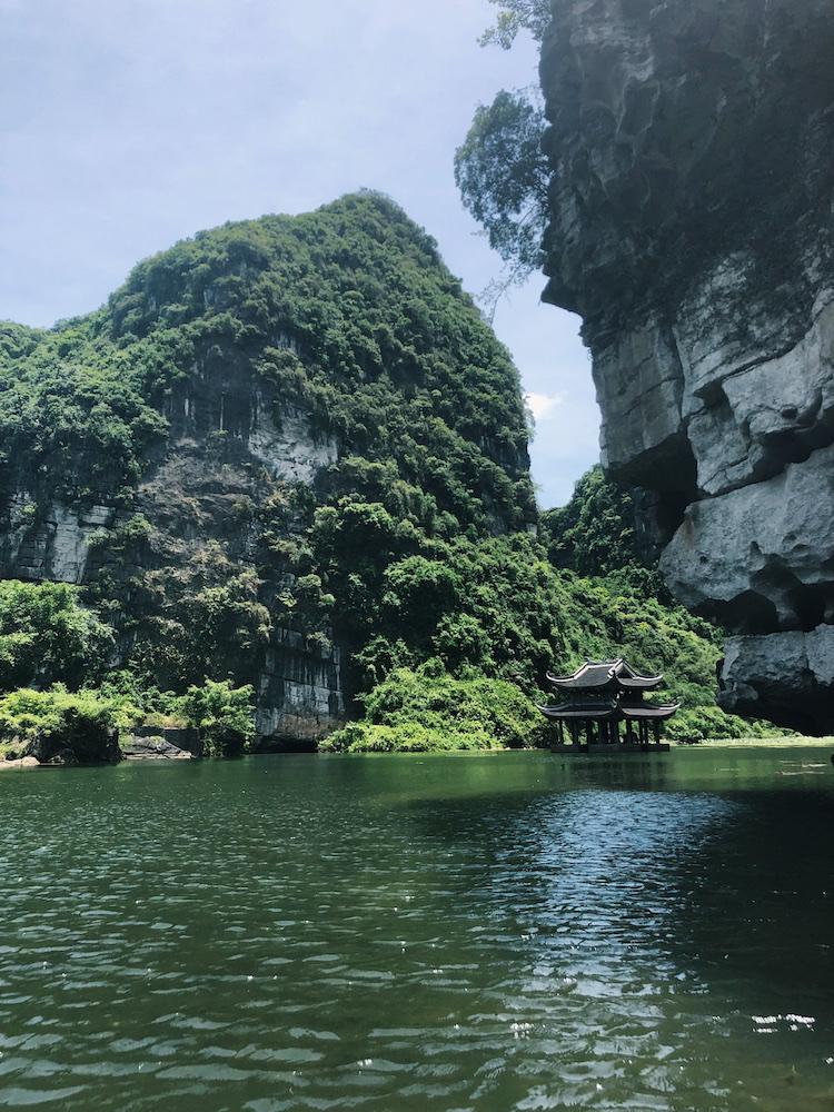 backpack route vietnam tempel