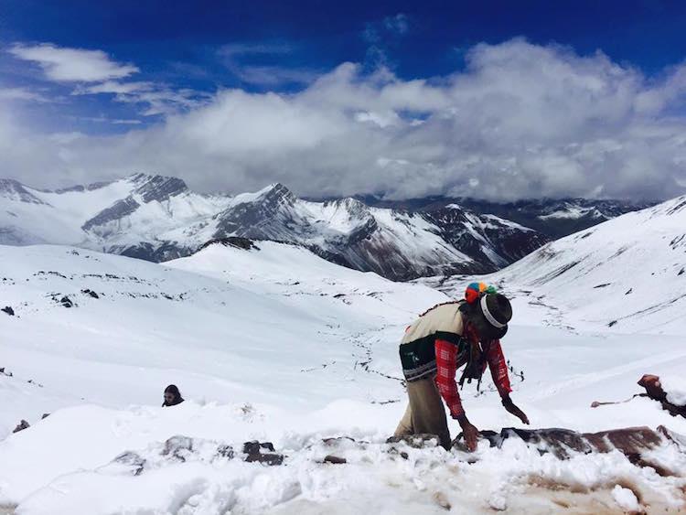 backpacken peru bolivia chili besneeuwde rainbow_mountain
