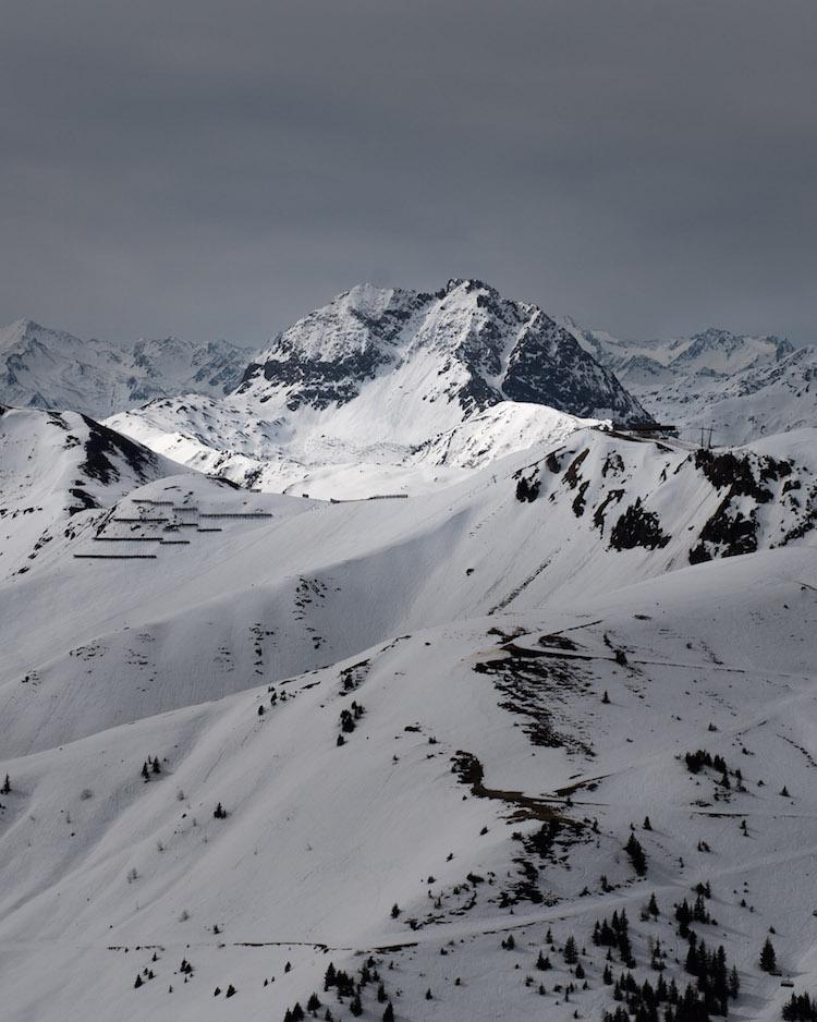 besneeuwde toppen kitzbuheler alpen