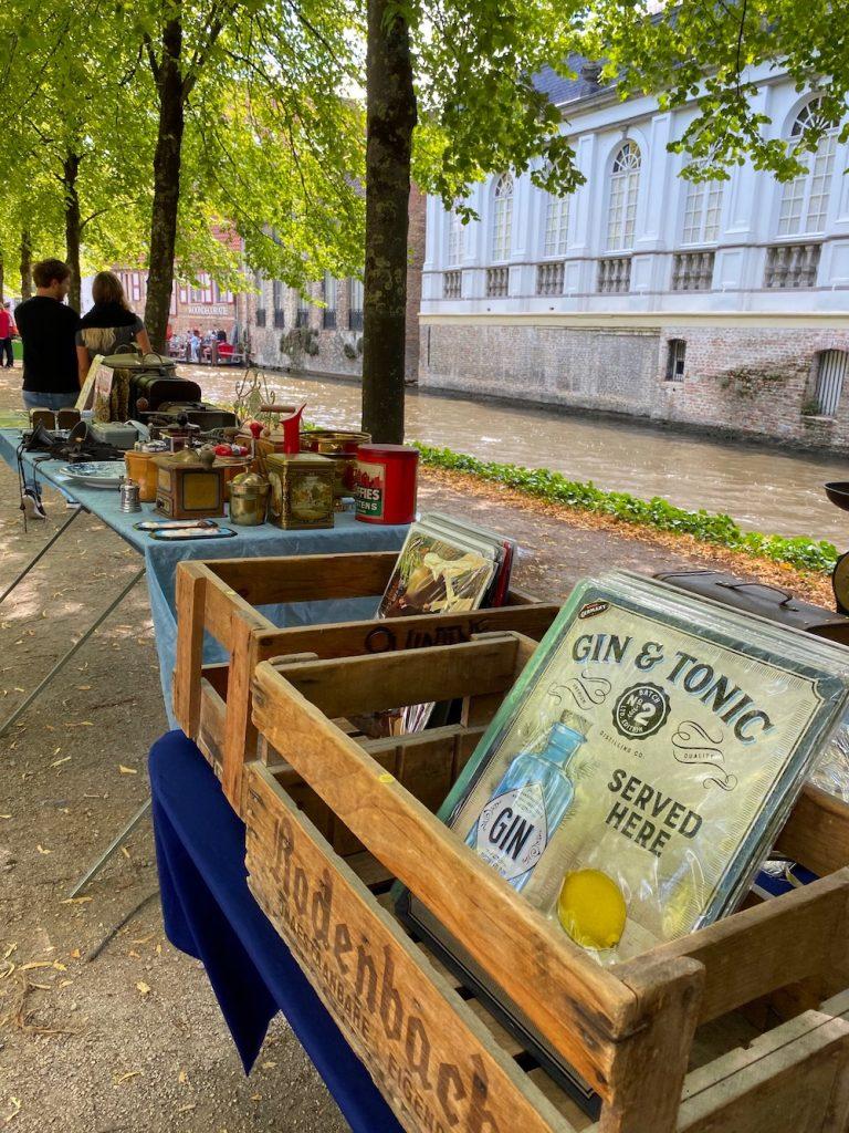 bezienswaardigheid Antiekmarkt Brugge winkelen