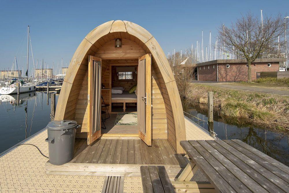 bijzonder overnachten in nederland waterbubbel almere
