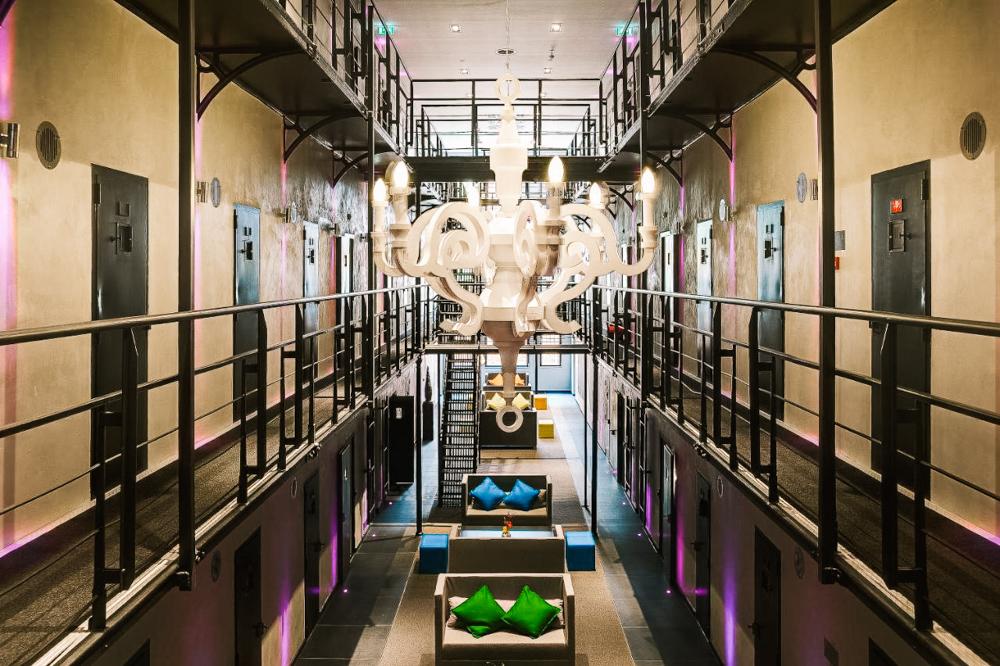 bijzonder overnachten nederland gevangenis Roermond