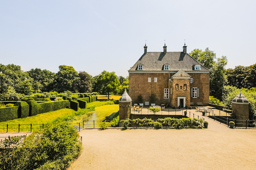 bijzonder overnachten nederland in een kasteel