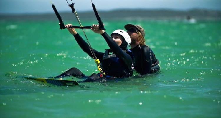 blouberg kitesurfen waterstart kiten