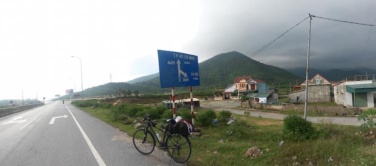 borden in vietnam met de fiets