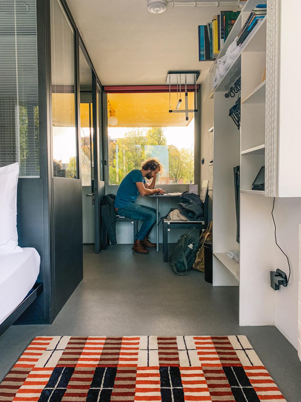 brugwachtershuisje amsterdam tiny house
