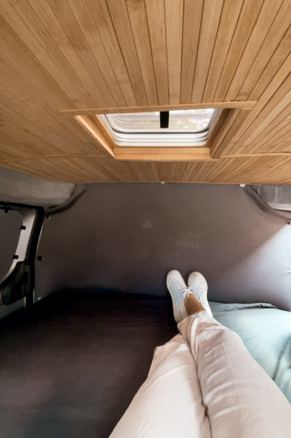 camper inrichting bamboe plafond maken zelfbouw