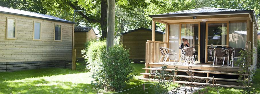 camping-parijs-bois-de-boulogne-huisjes