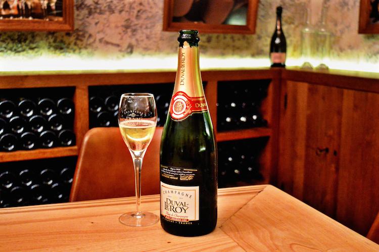 caves top wijn restaurant parijs