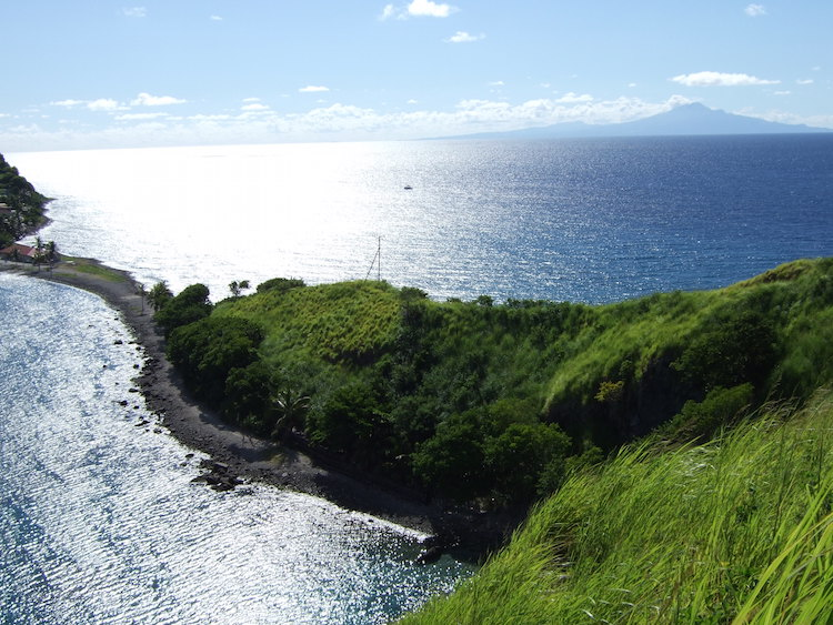 dominica_-_scotts_head_tombolo_and_isthmus