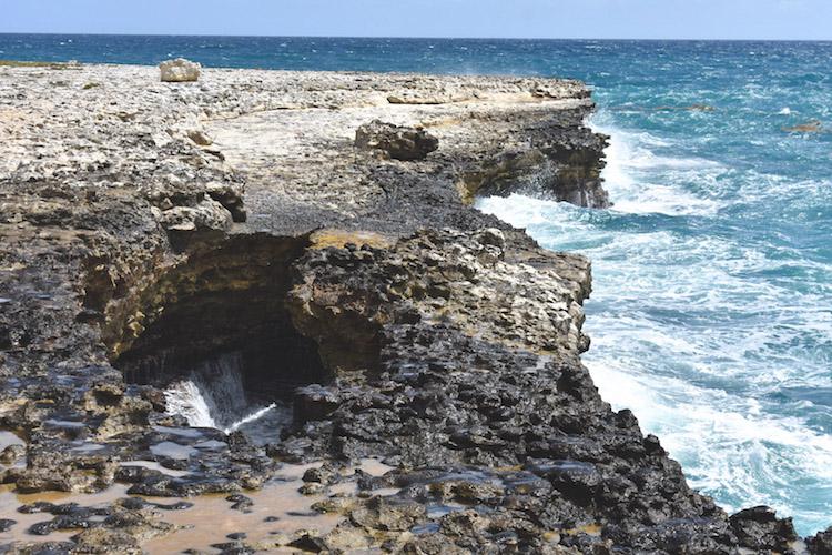 eiland antigua ruige stranden