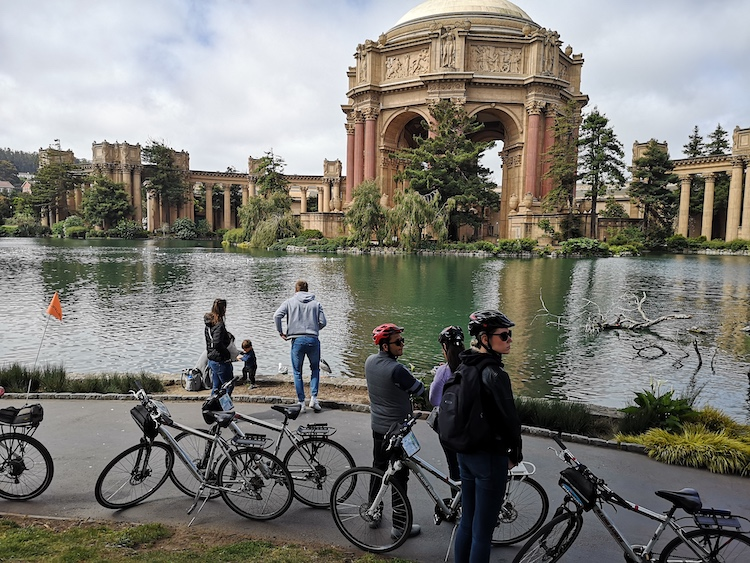 fietsen in san francisco place of fine arts