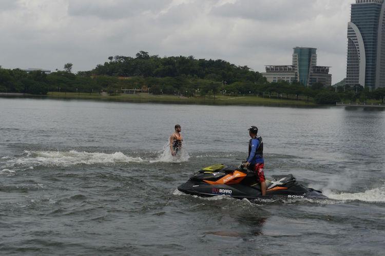flyboarden kuala lumpur net uit water