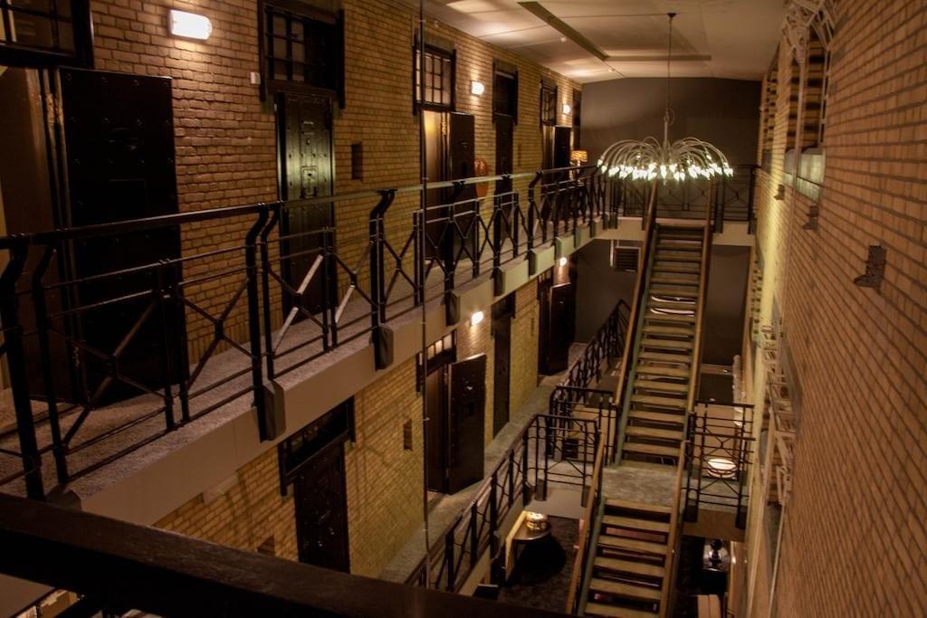 gevangenis hotel almelo huis van bewaring