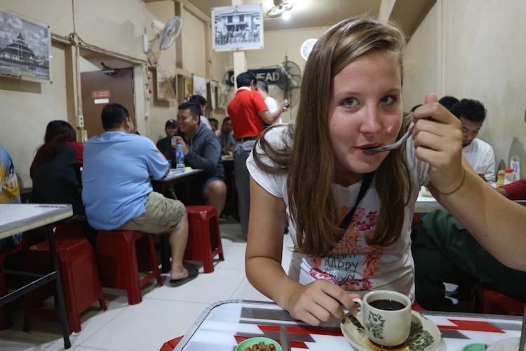 go local west-kalimantan eten koffie