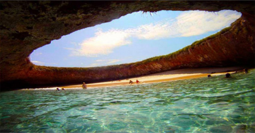 hidden beach in mexico