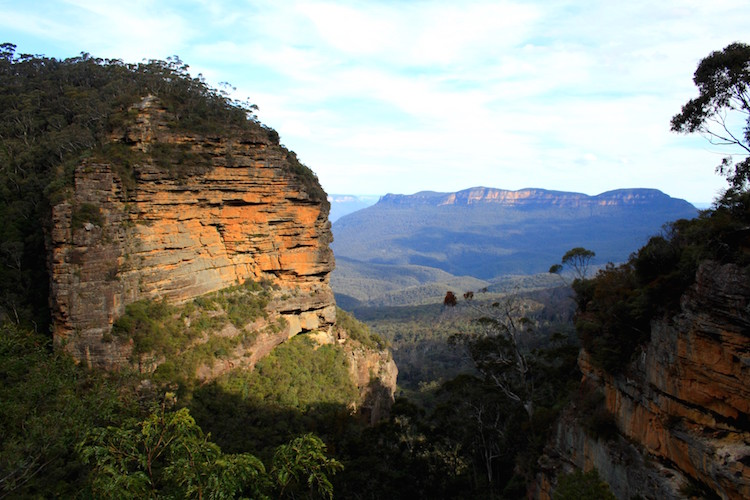 hike blue mountains