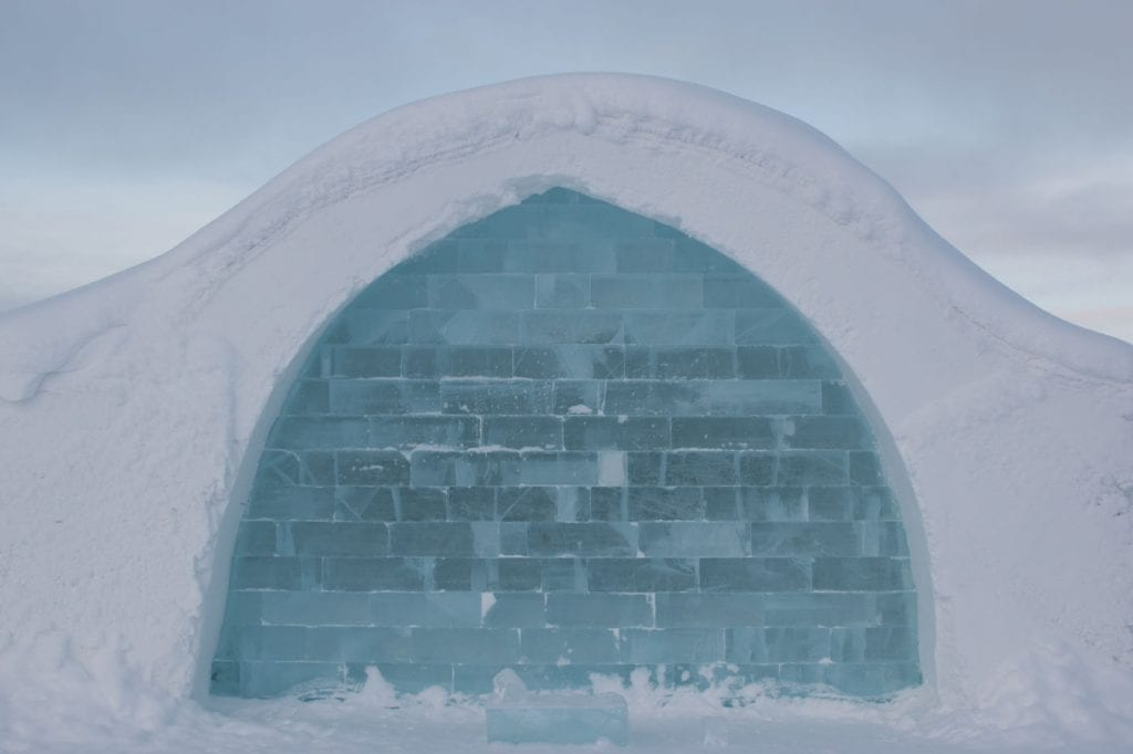 ice hotel Jukkasjarvi Igloo muur ijshotel zweden_-2