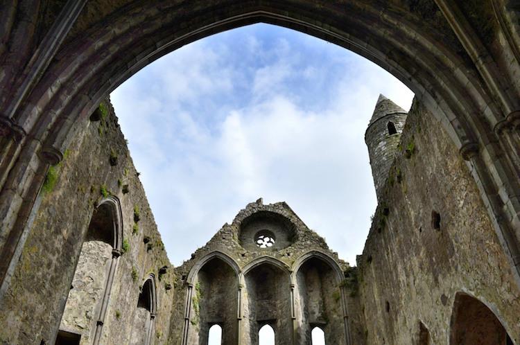 ierland vanuit de ruines bij Cashel