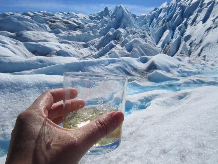 ijswater drinken patagonie wereldreis anne