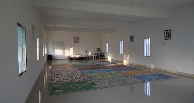 india ashram binnenruimte arhanta yoga teacher training