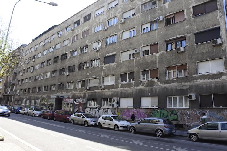 interrail belgrado servie vervallen gebouwen